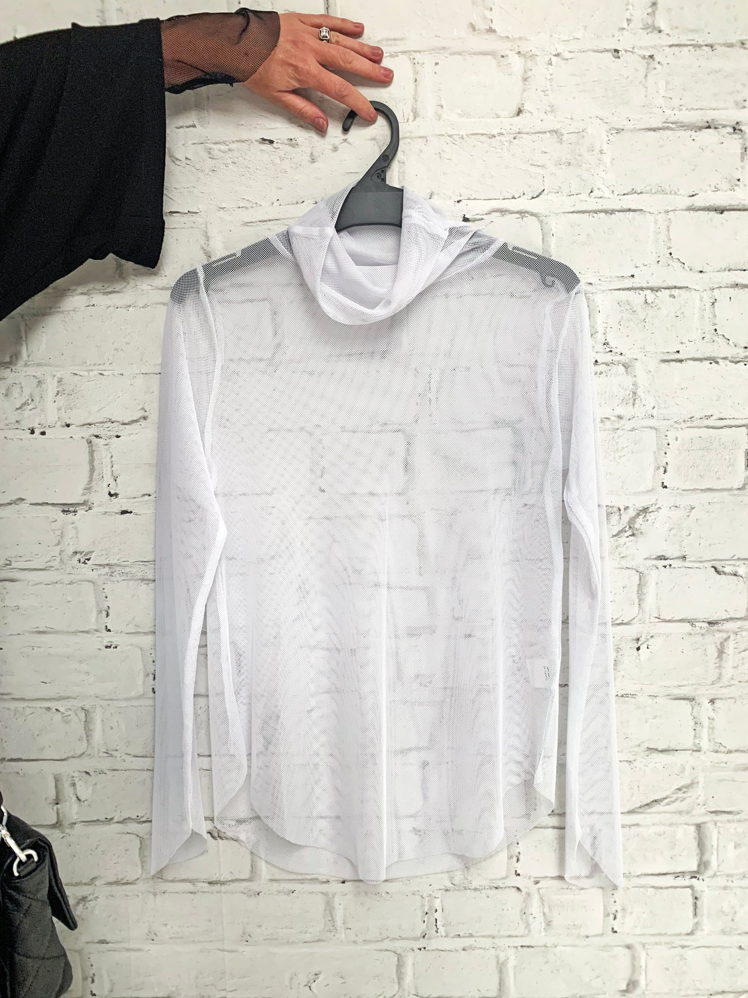 Turtle Neck Fine Net - White