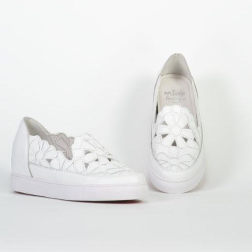 Flower Wedge - White Milled