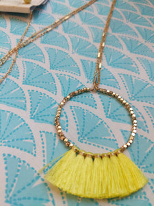 NEON YELLOW FAN BEAD SET