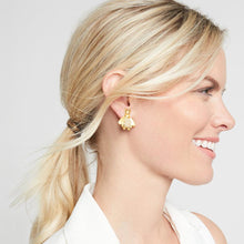 Bee Luxe Ear Ring