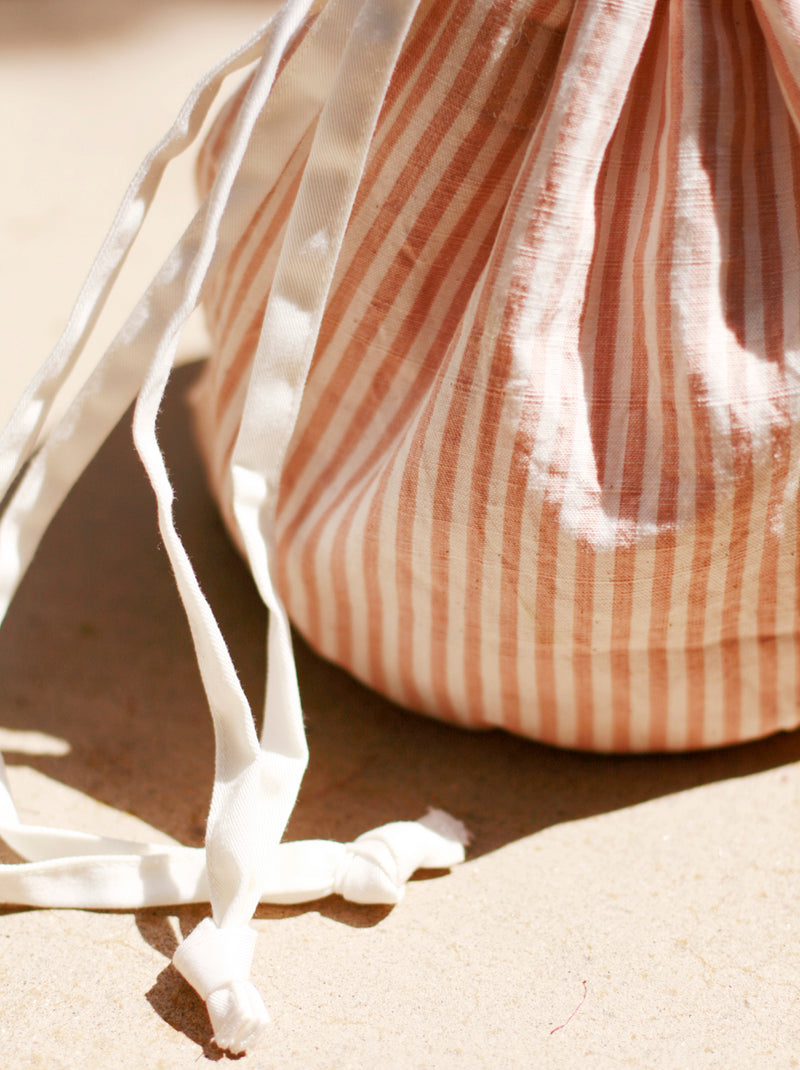 LULU Handwoven Pouch Bag - Rose