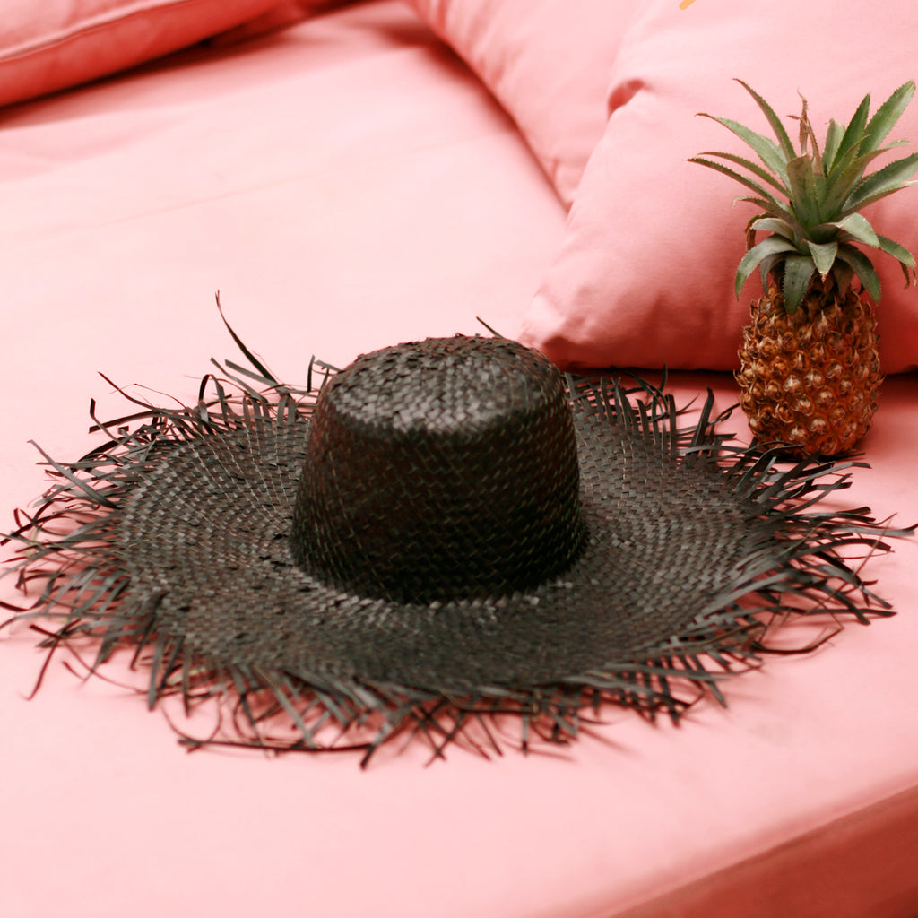 Rimba Wide Round Palm Straw Hat, in Black
