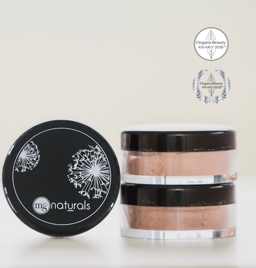 Titanium dioxide free, organic, cruelty free, vegan, nontoxic clean beauty mineral blush recognized by Organic Beauty Awards 2020 Autumn/Winter, and Organic Beauty Award SS20.