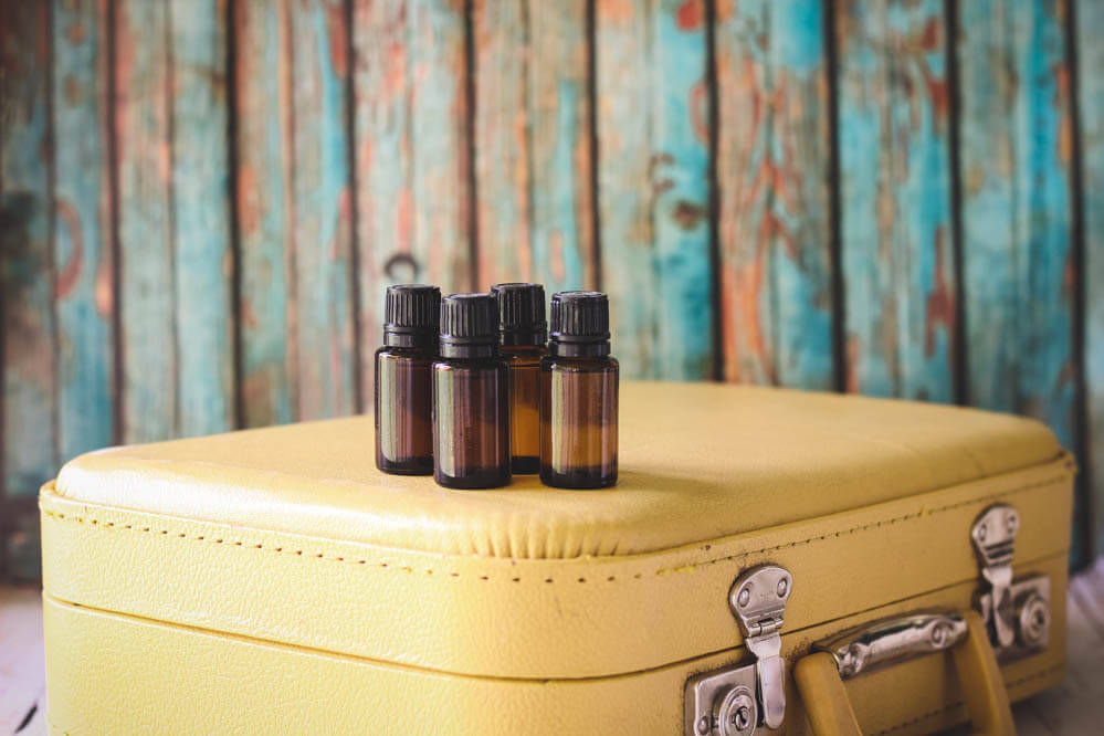 THREE OILS TO NATURALLY HELP JET LAG