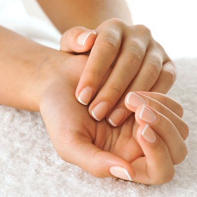 CAN ESSENTIAL OILS PROMOTE STRONGER NAILS?
