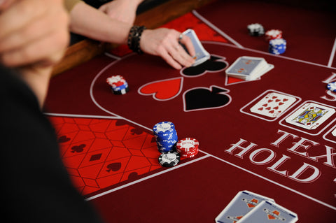 Marvelous These Texas Hold U0027em Poker Mats Fit 3.5 Or 4.6 Tables Of Ultimate Gaming.
