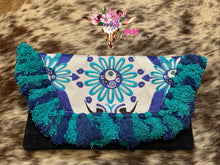 STUNNING BLUE FLOWER CLUTCH
