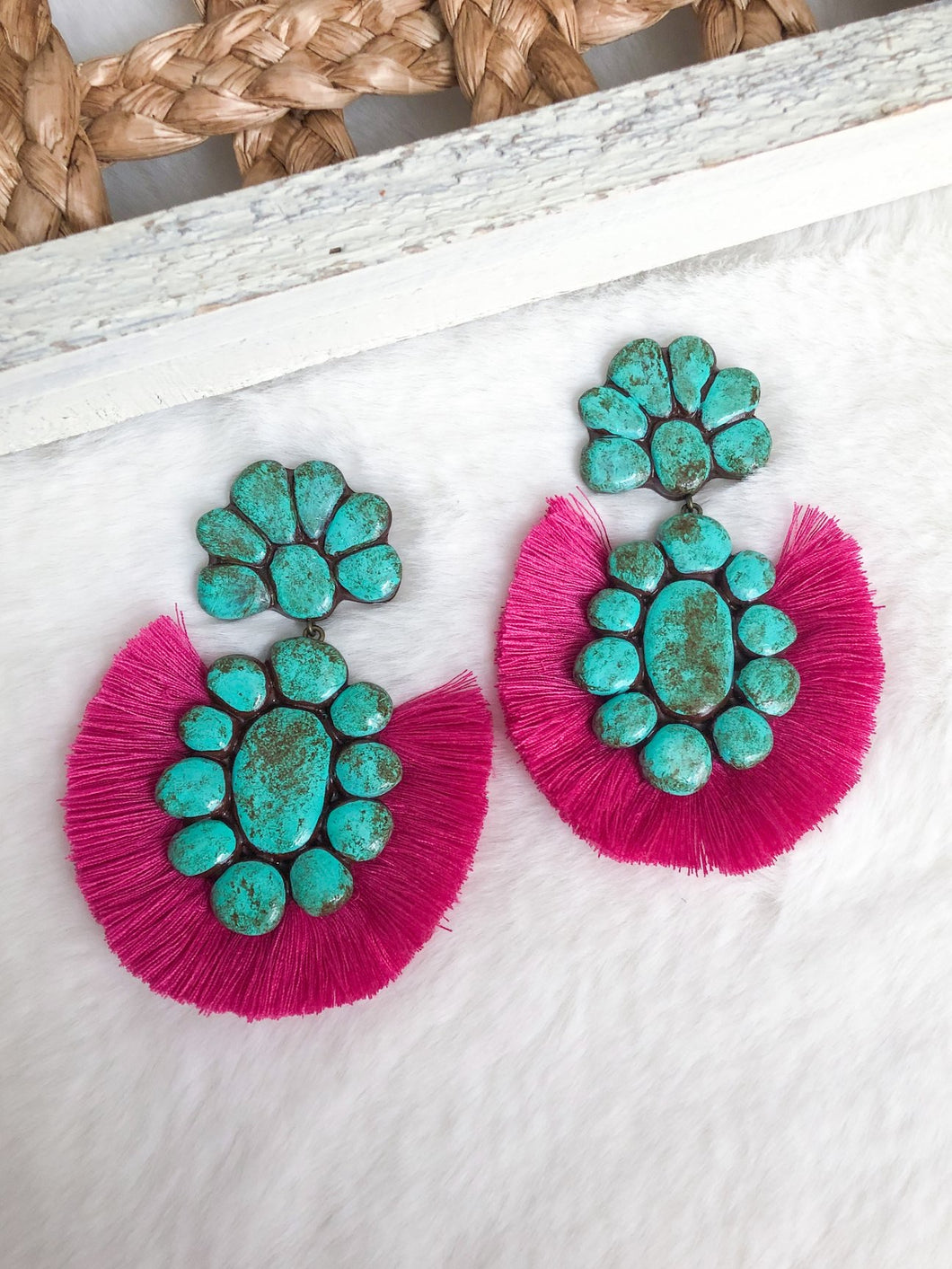 THE ROAN EARRINGS (MAGENTA)