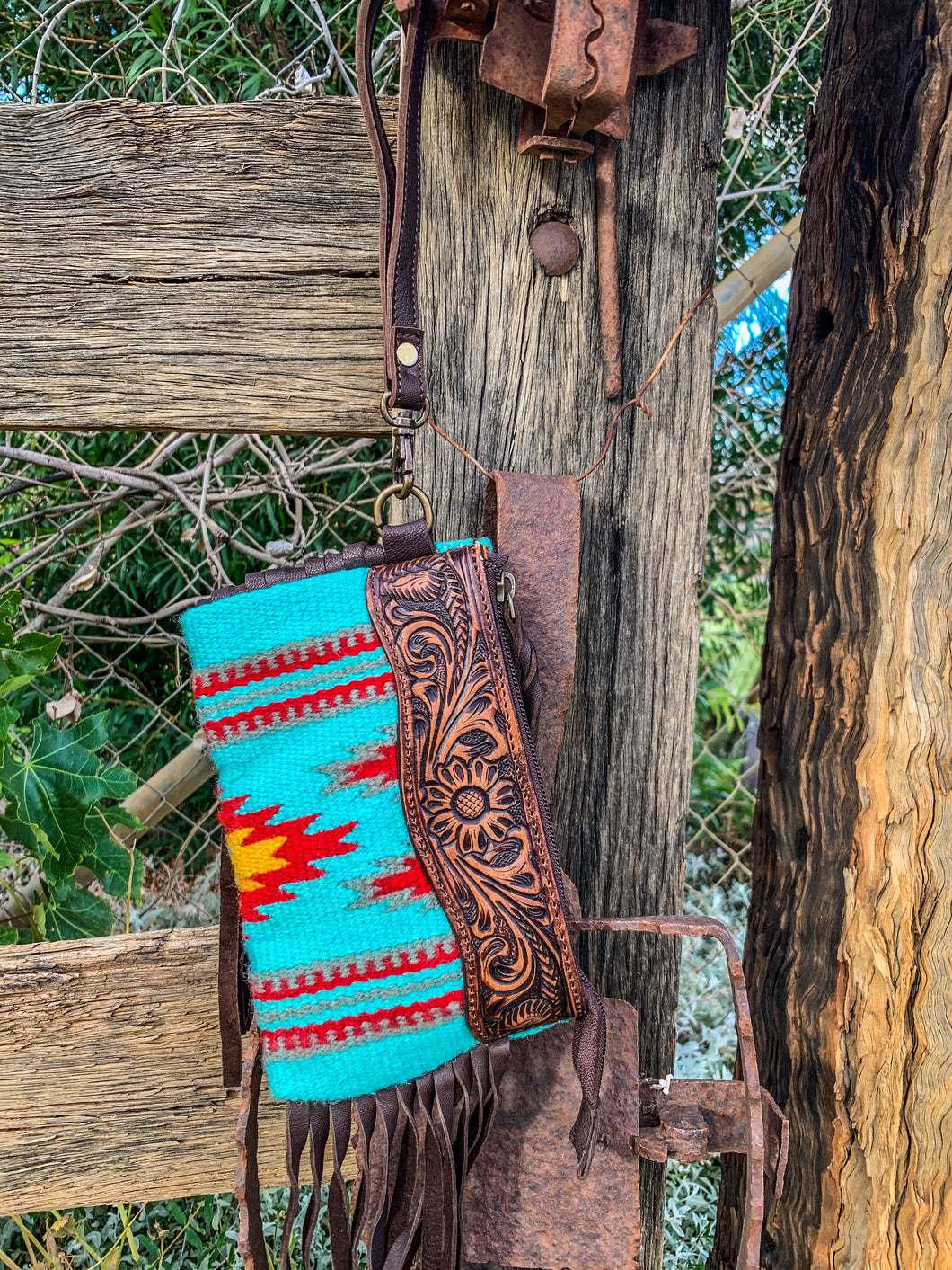 TEAL & TOOLED WRISTLET