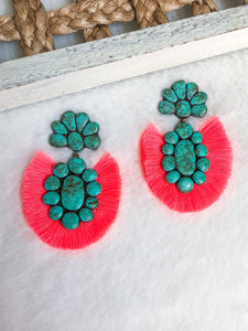 THE ROAN EARRING (CORAL)