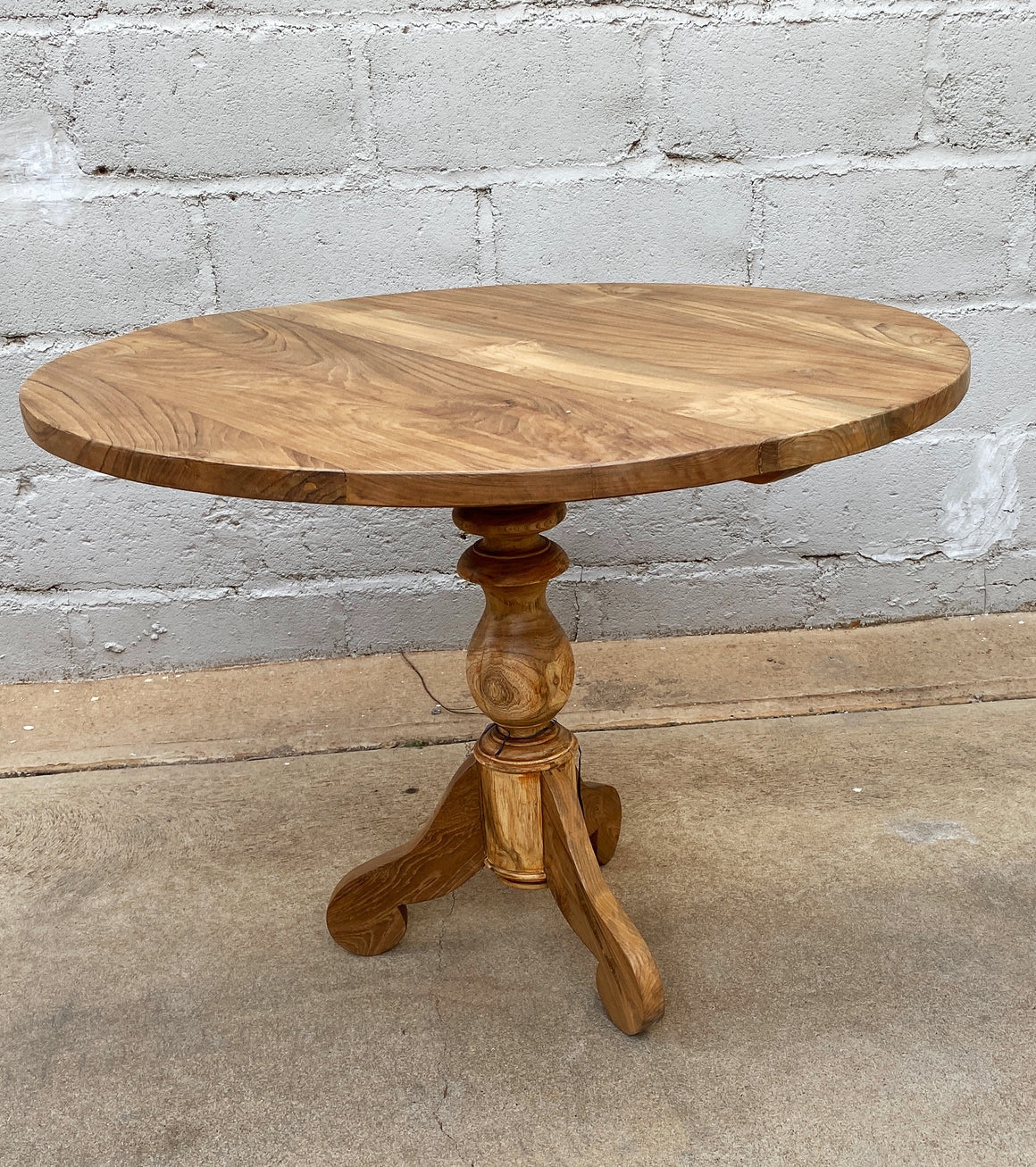 Dining Table Classic Round