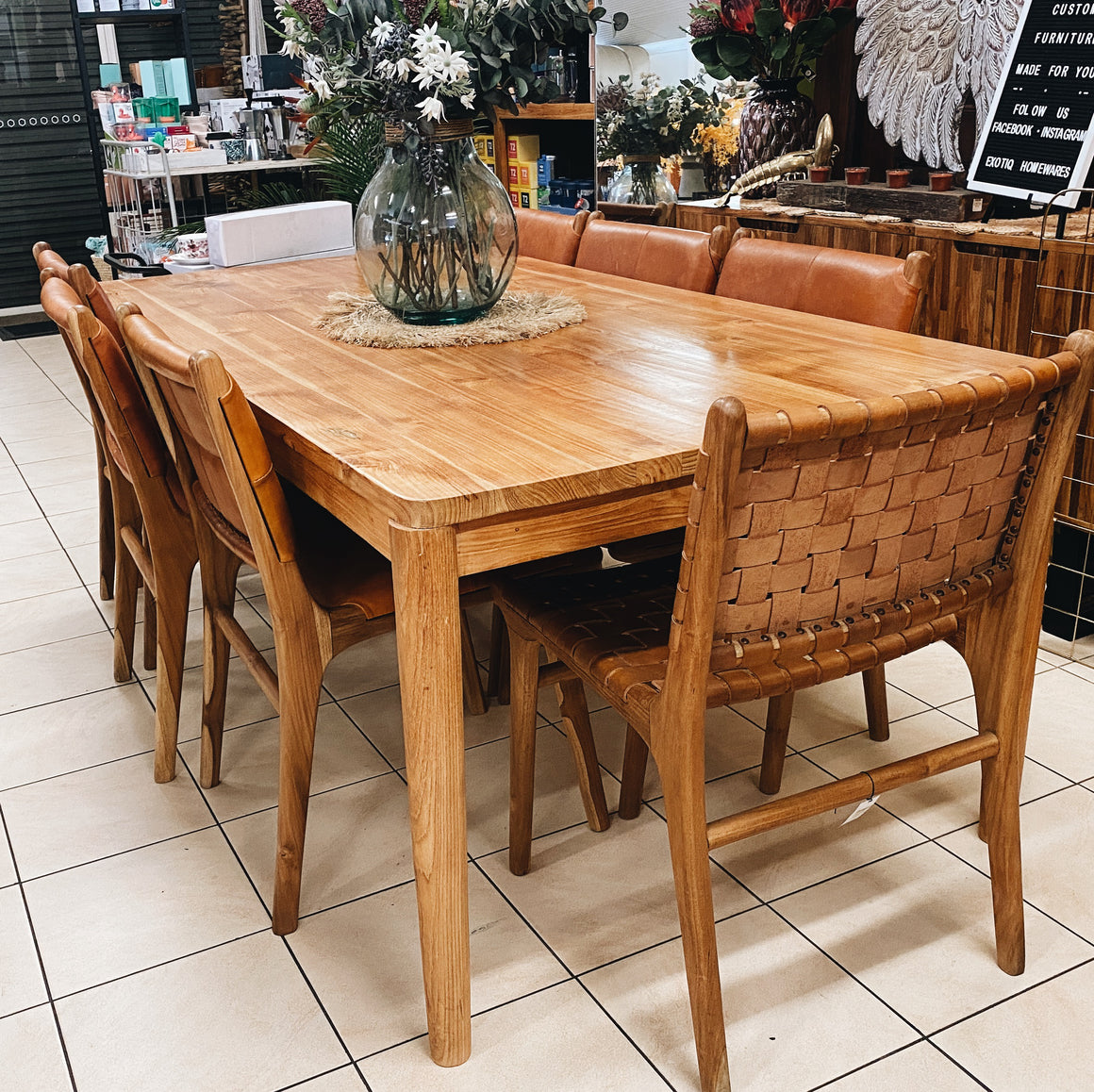 Dining Table Retro