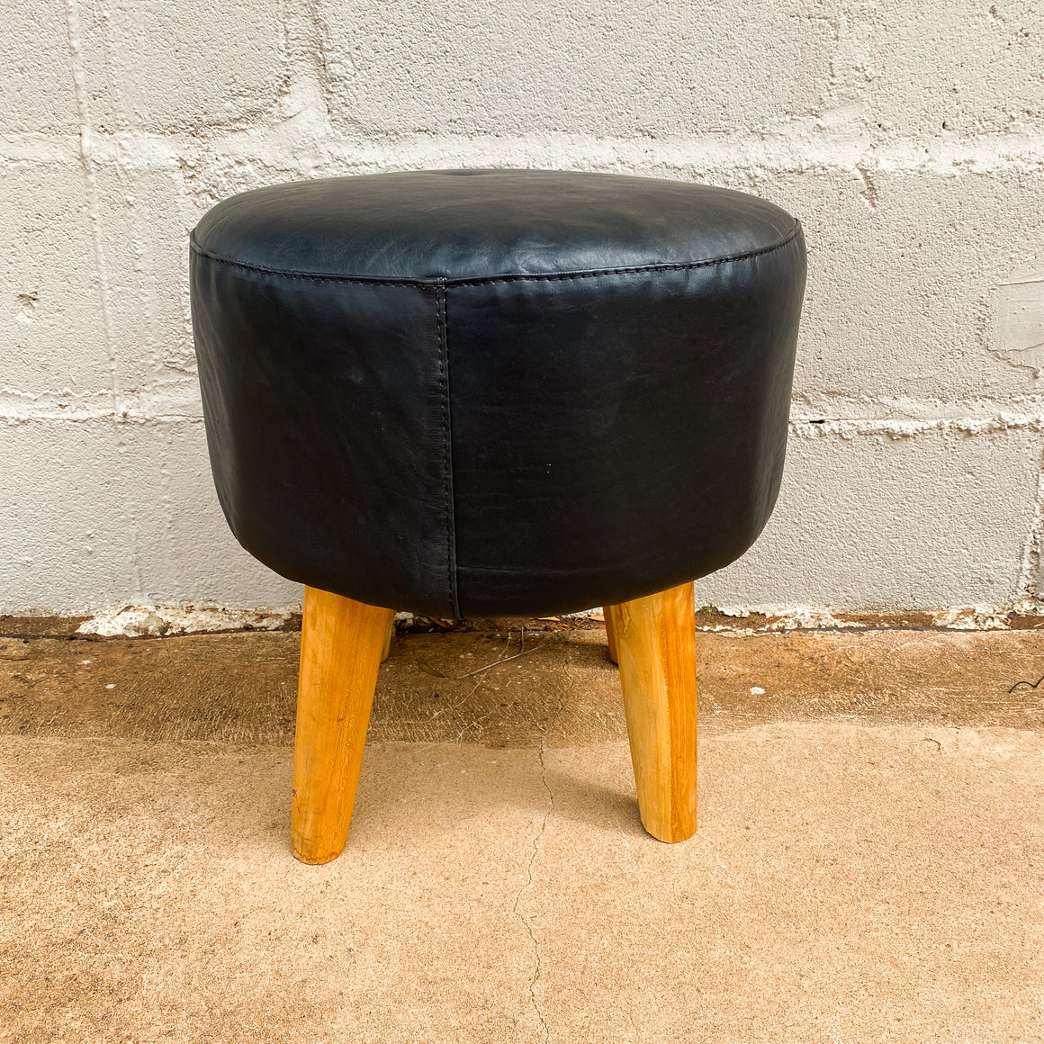 Ottoman Leather Smooth Round