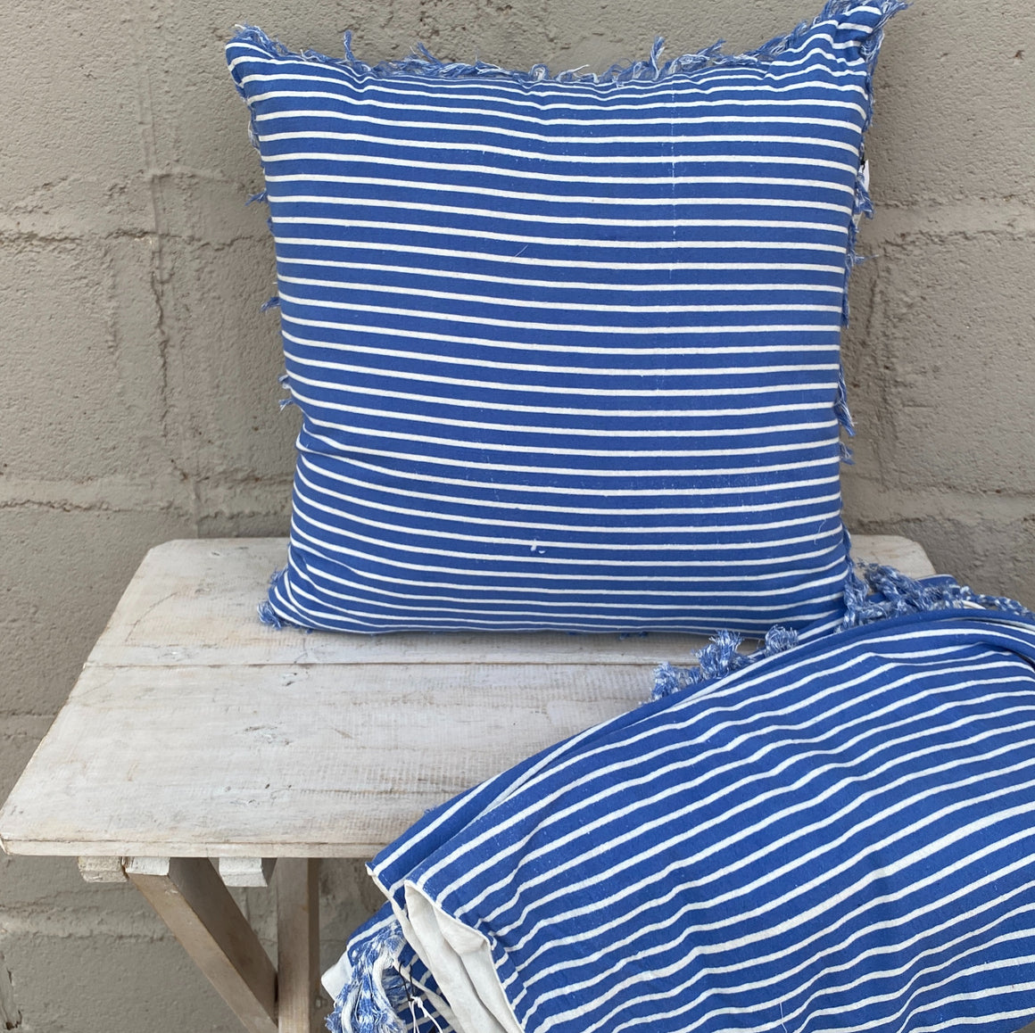 Cushion Coastal Stripe