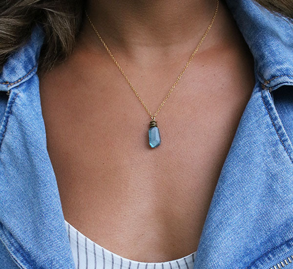 Capturing Magic Necklace | Labradorite and 14K Gold