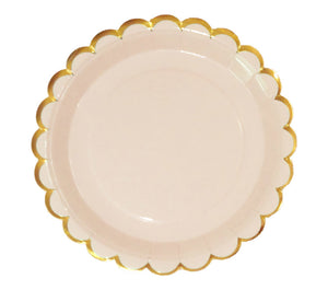 Peach paper dinner plates with gold scallop edge