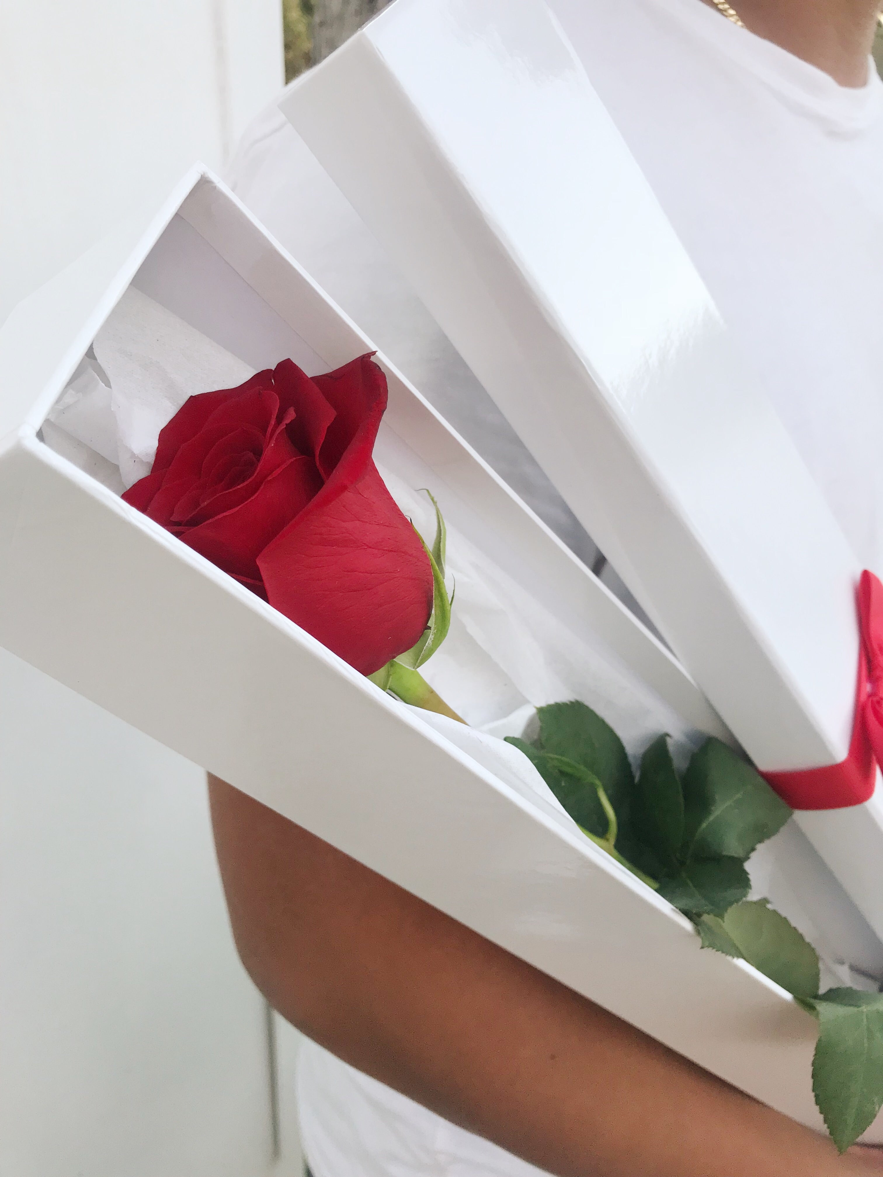 So In Love Box: Single Rose