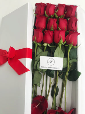 So In Love Box: 12 Roses