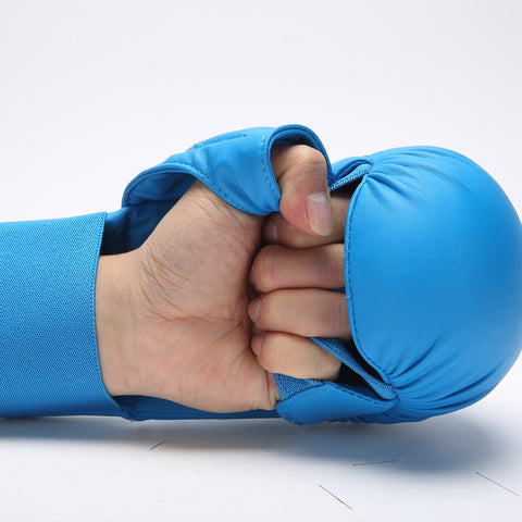 Karate mitt with thumb