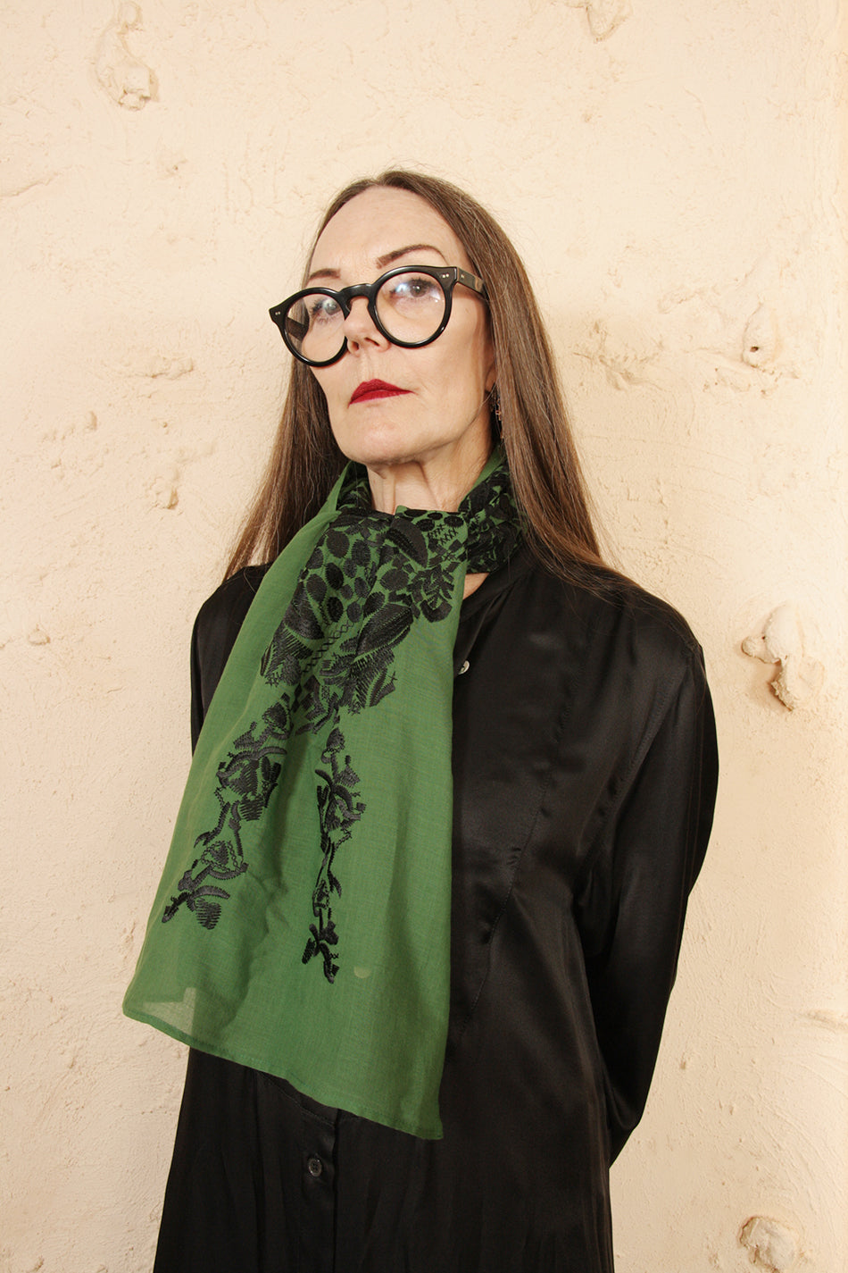 Tiriel Embroidered Scarf