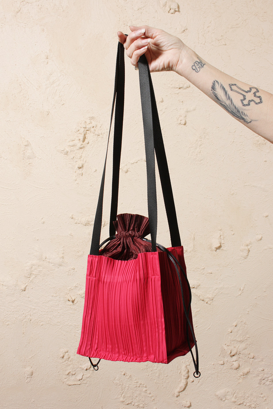 Pleated Drawstring Bag Pink