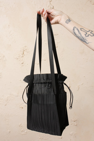 Pleated Drawstring Bag Black