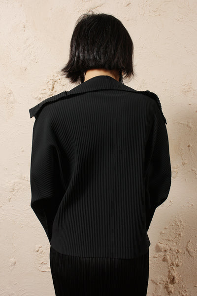 Pleated Buttoned Cardigan