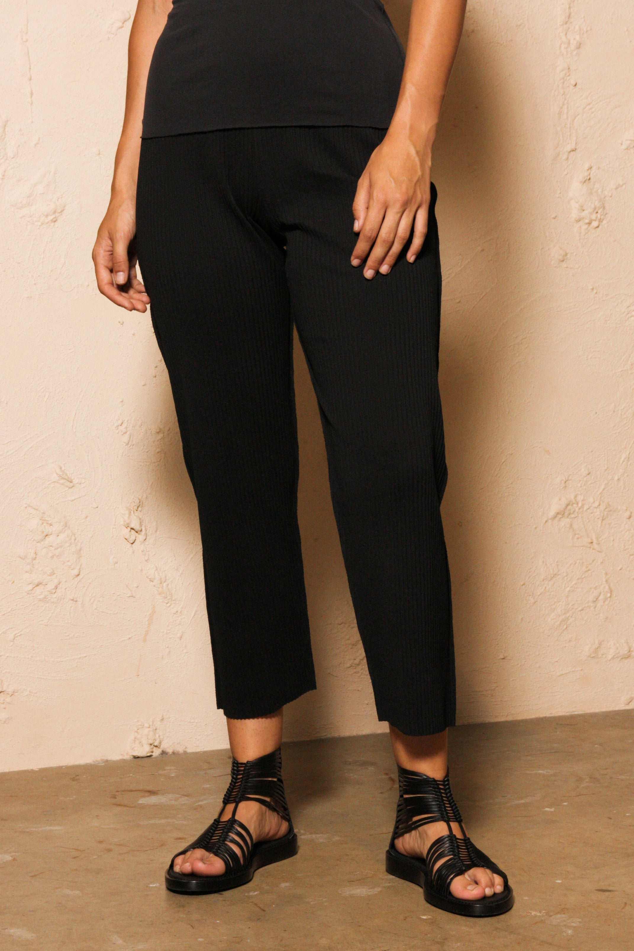 Soft Pleated Slim Trouser
