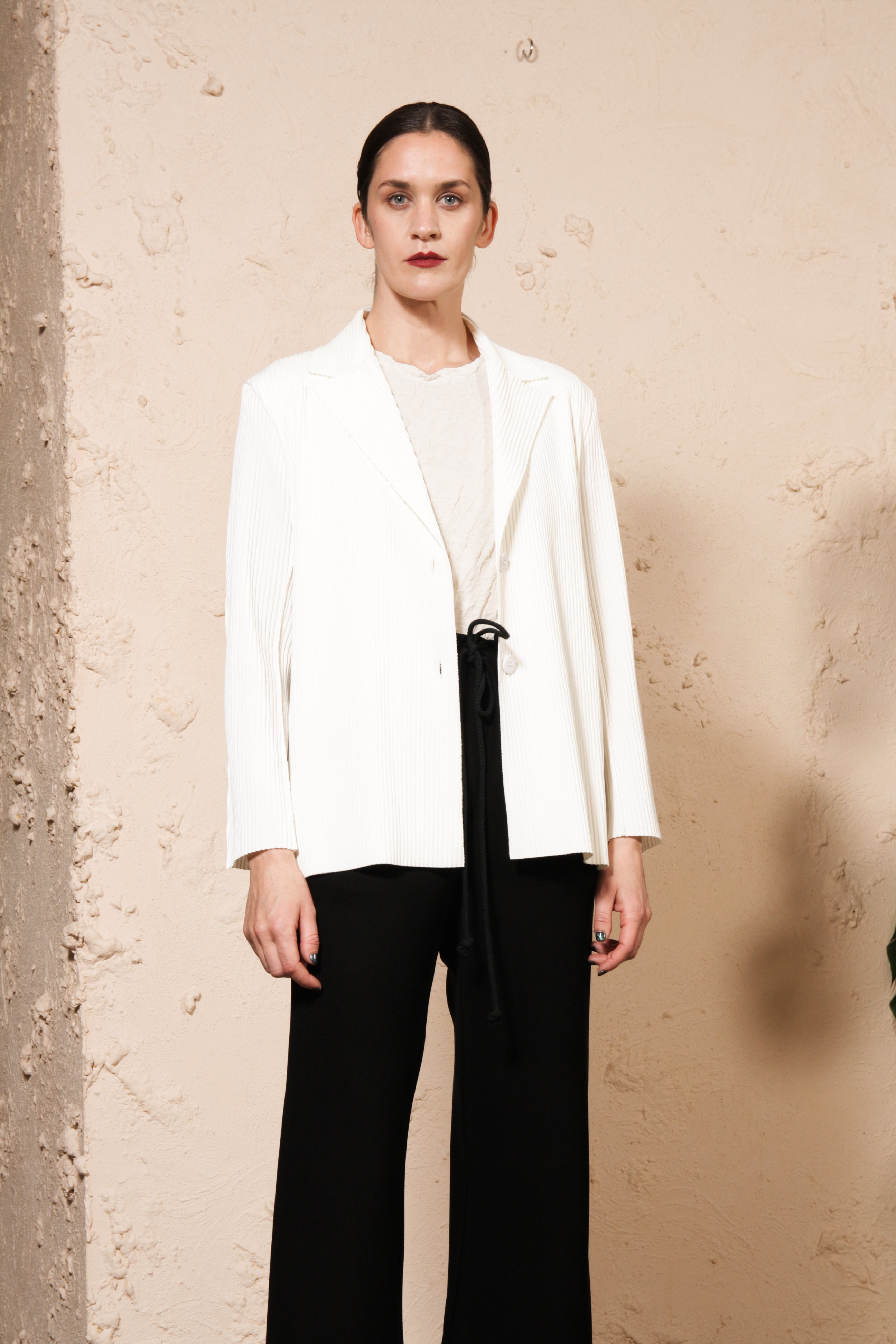 APOC Pleated Blazer Off White