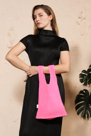 Raschel Pleated Bag Pink