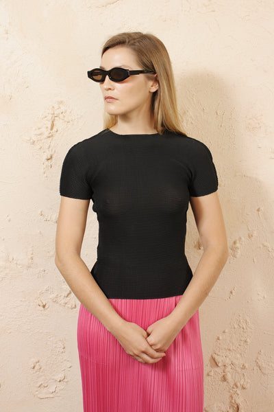 Micro Pleat Black Short Sleeve