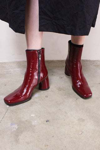 Vernice Crinkle Rosso Scuro Boot