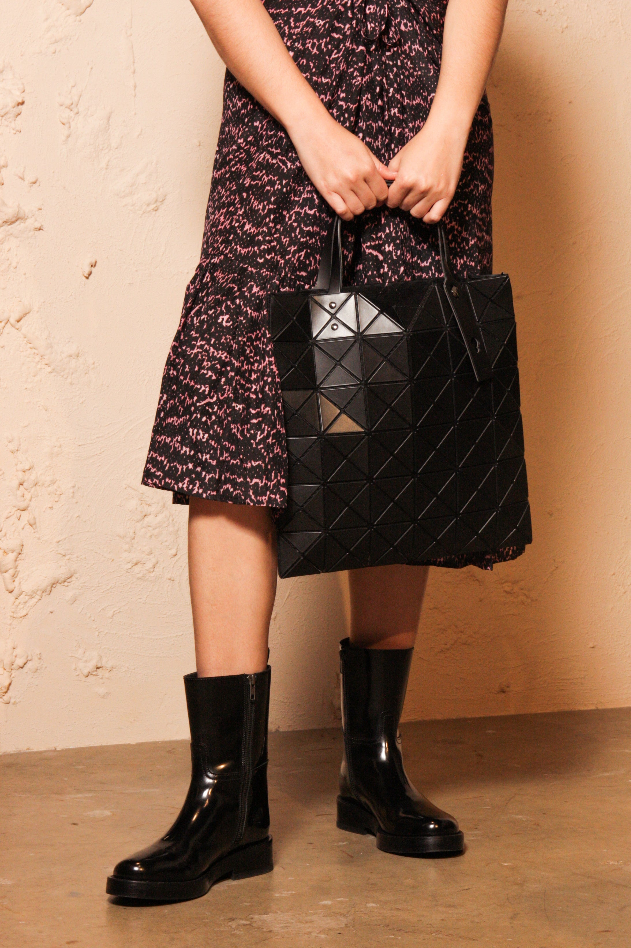 Lucent Matte Tote Black