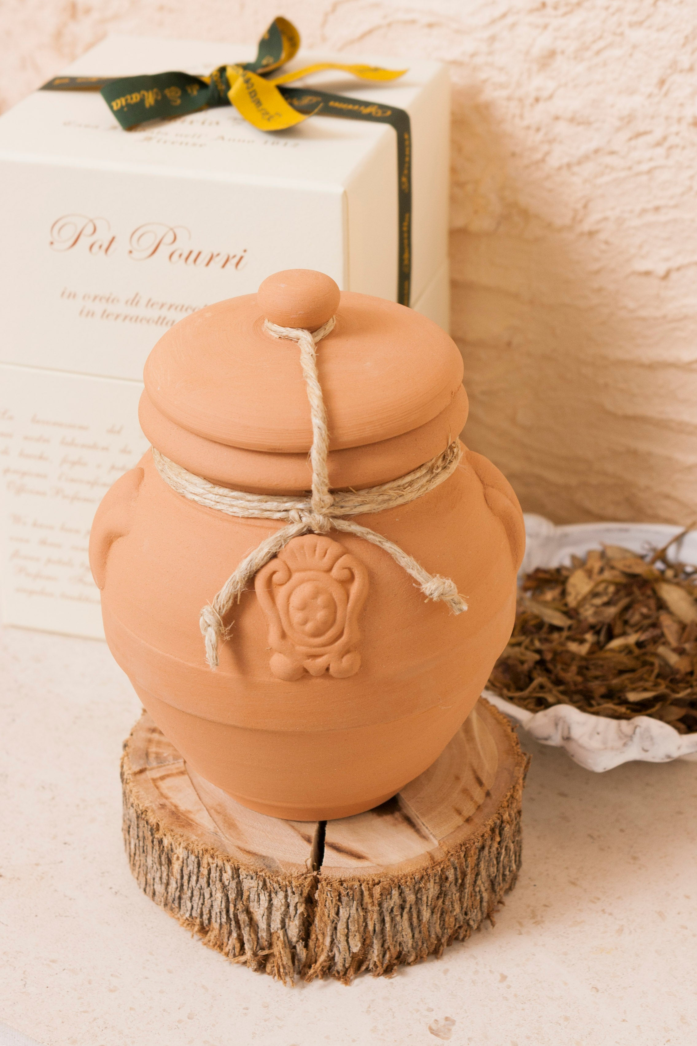 Pot Pourri in Terracotta