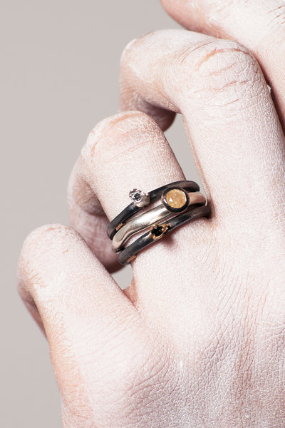 Hata Gold Black Diamond Ring