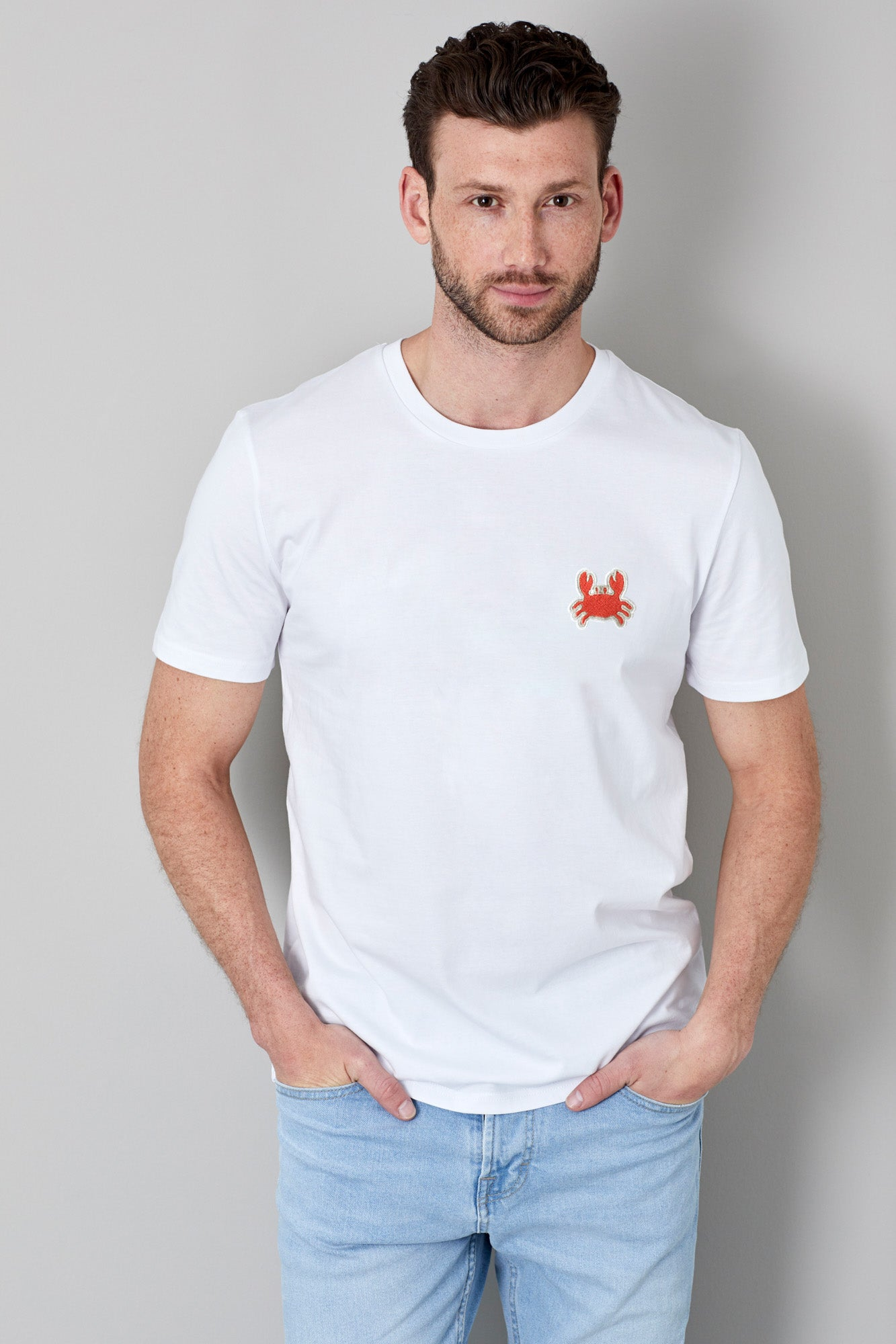 Organic T-Shirt mit Stickerei Mr. Crab