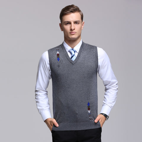 2017 New Men's Pullover Sweater Fashion Solid color Vest V-Neck Cotton Knitted Business Slim Male vest Class Size S-2XL
