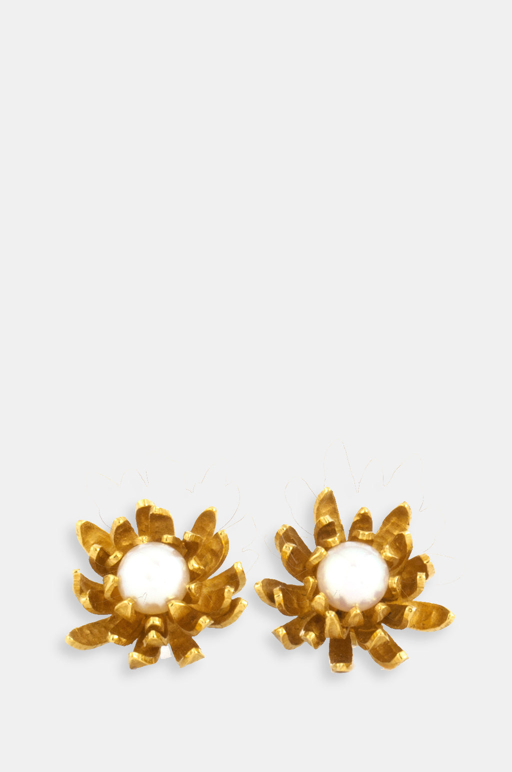 Chrysanthemum Flower Pearl Earrings Gold