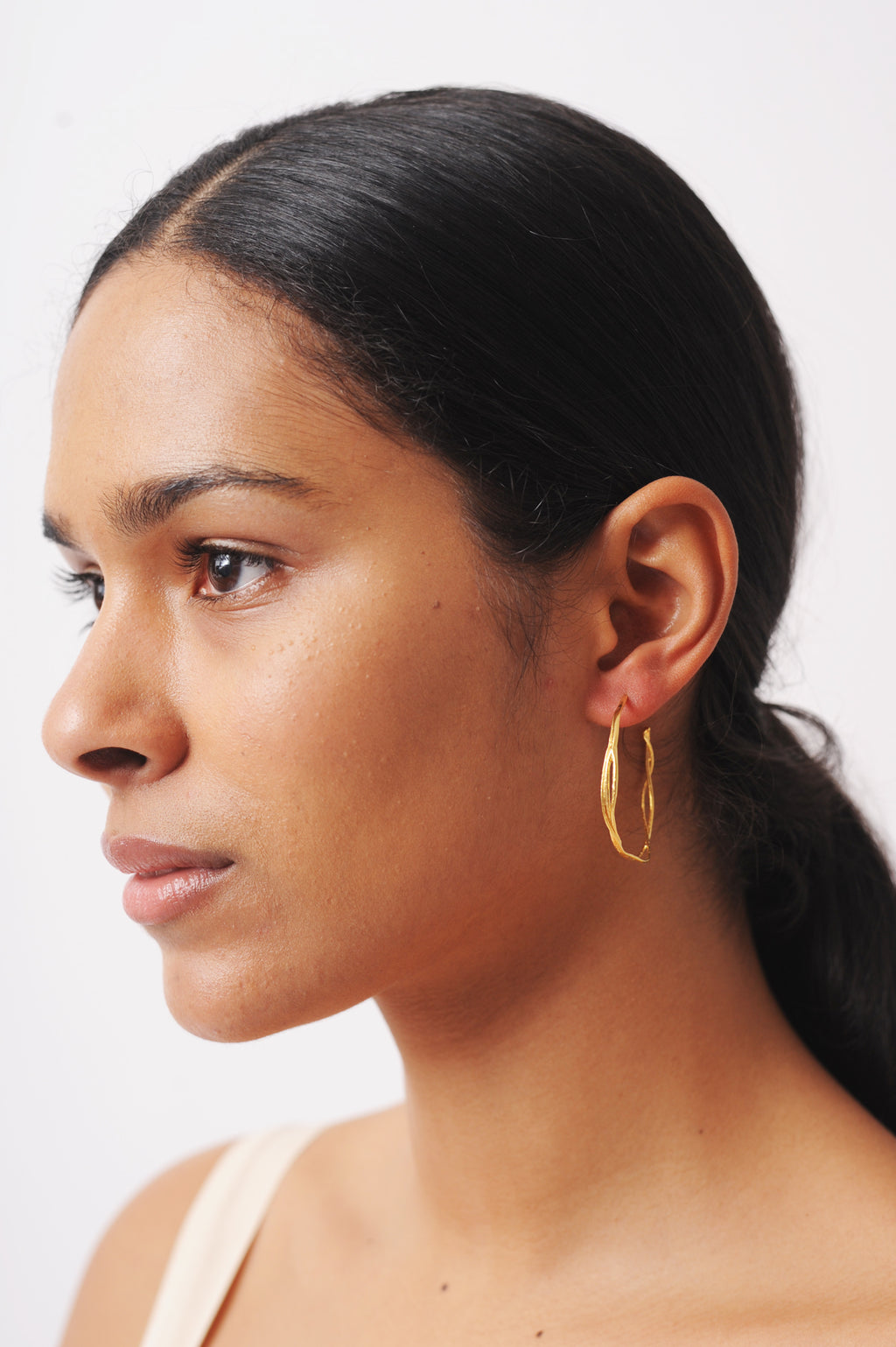 Fine Twist Hoop Earrings Gold