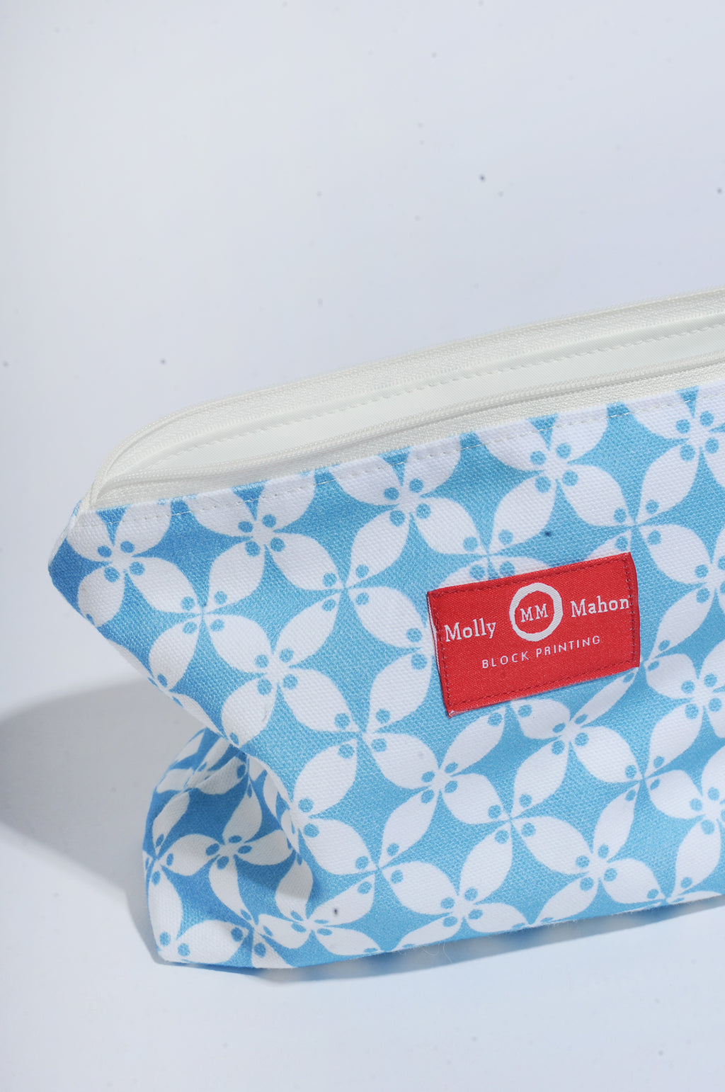 Medium Washbag in Petal Blue