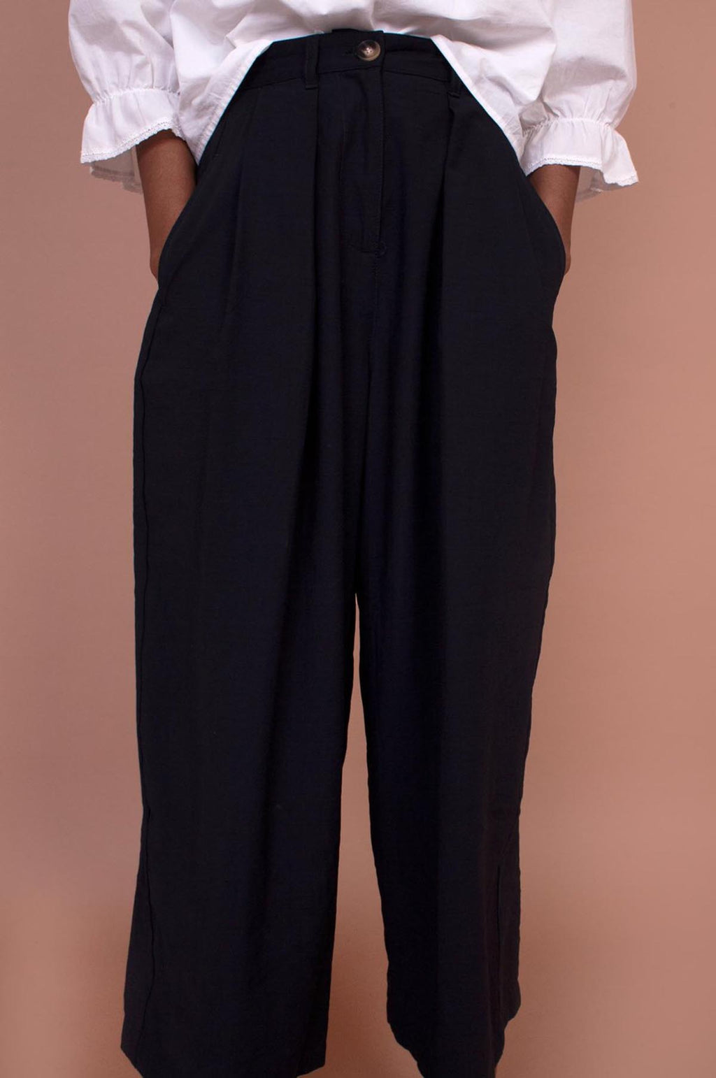Sanne Trousers in Navy