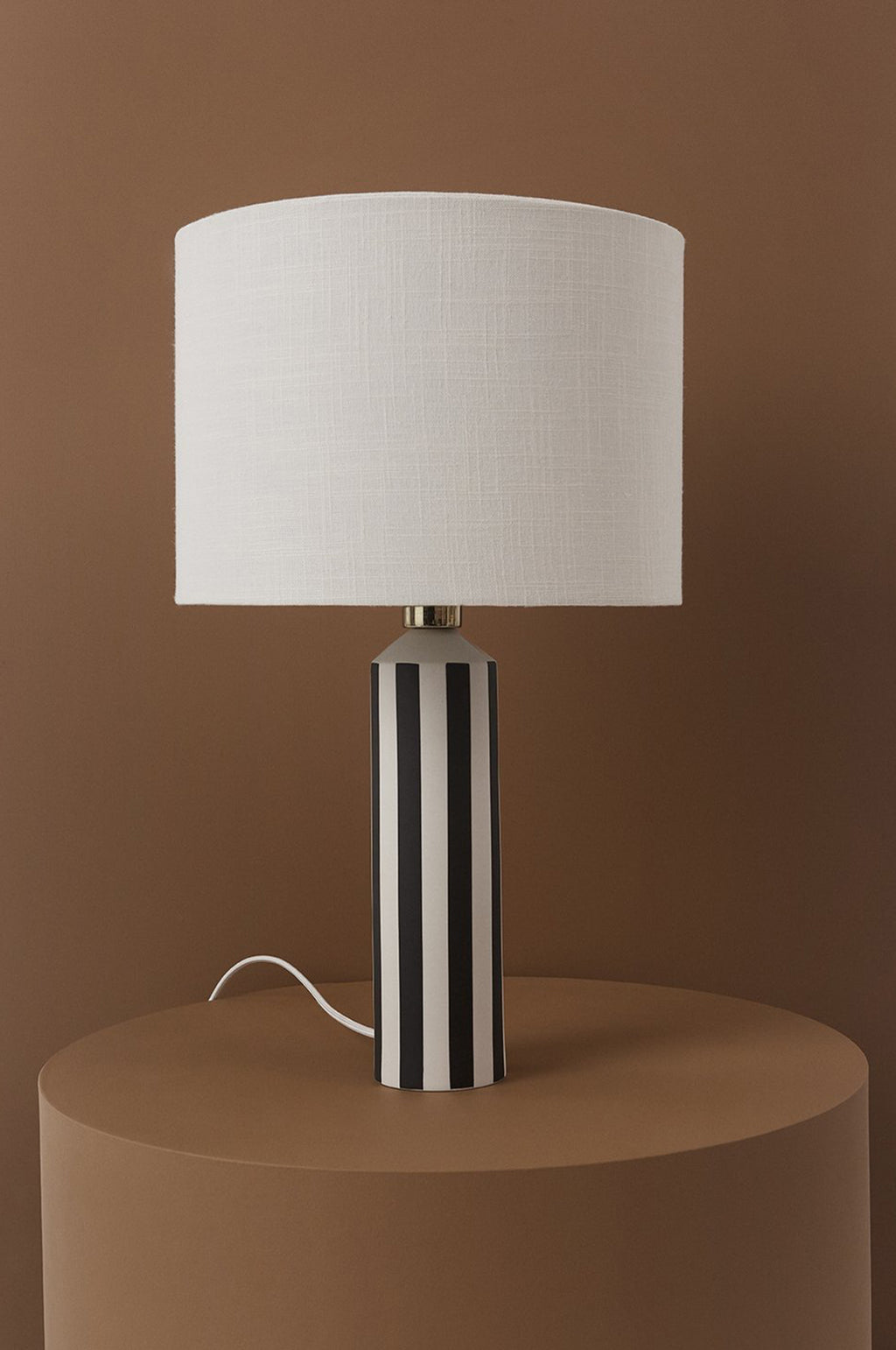 Toppu Lamp in Off White and Anthracite