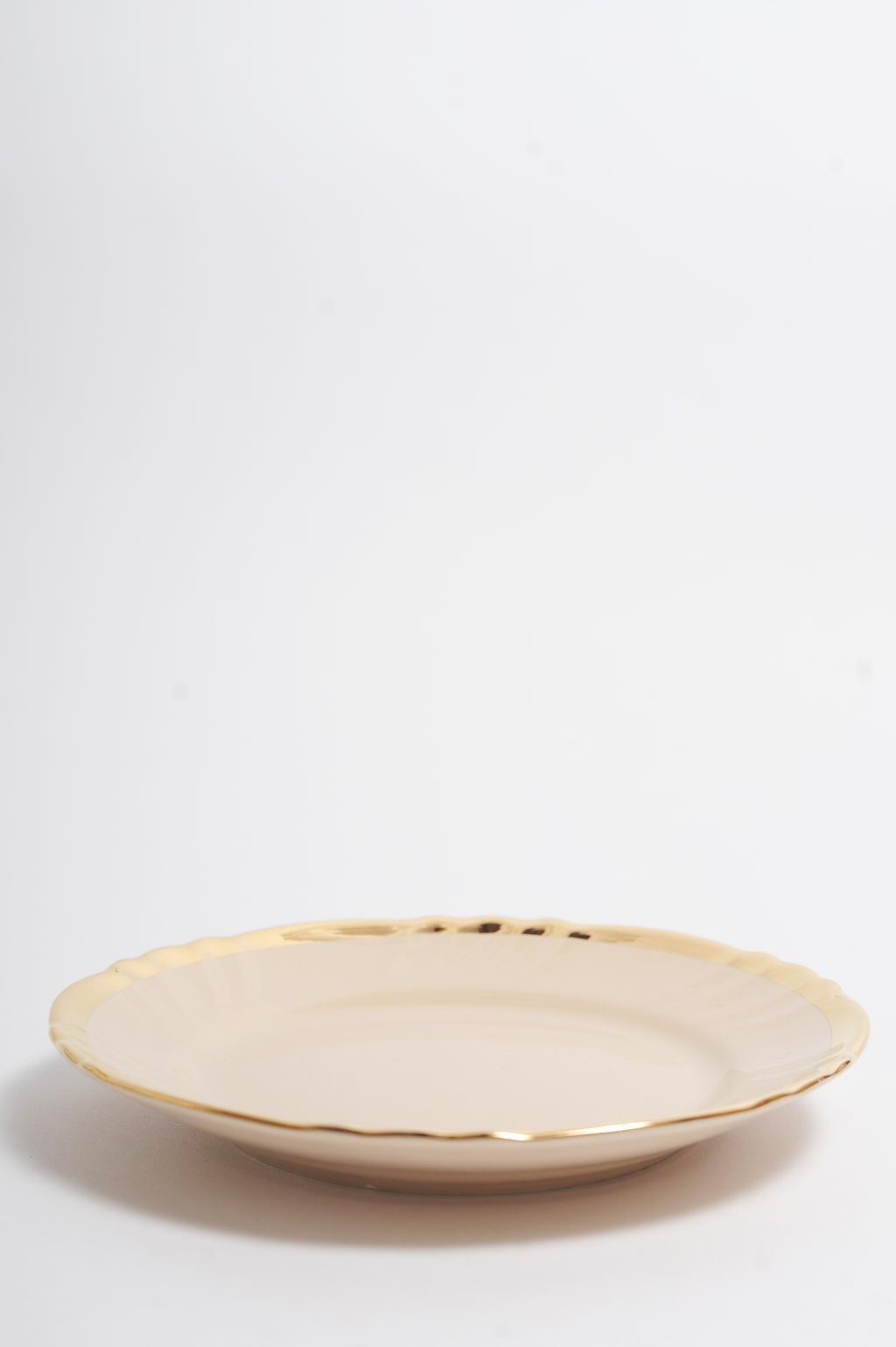 Gold Rim Fruit Plate in Powder