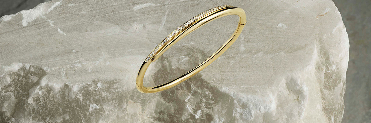 feather Diamond Bangle