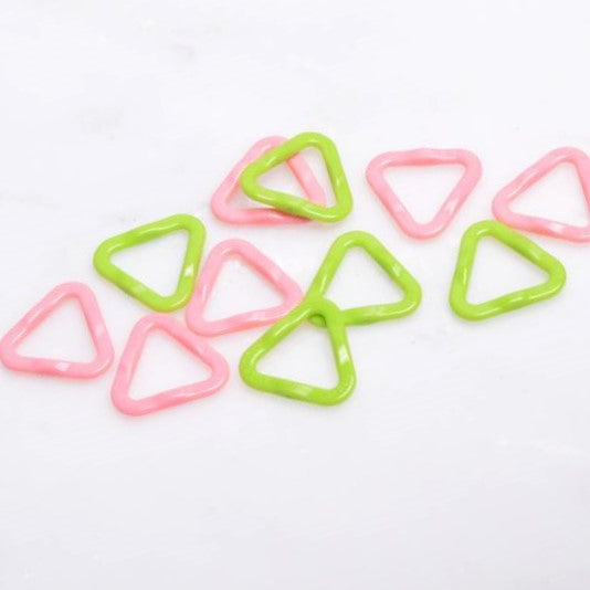clover triangular markers
