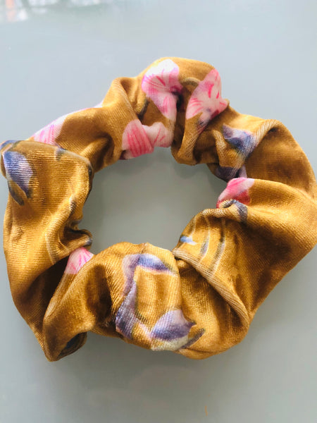 THE MUST HAVE SCRUNCHIE