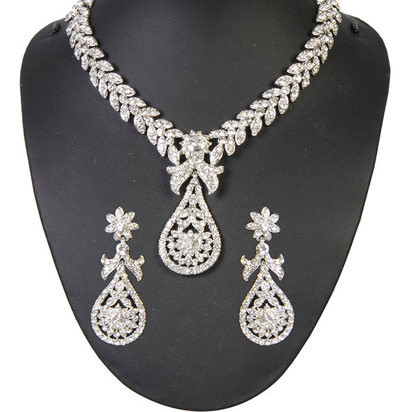 Kriaa White Austrian Stone Silver Plated Necklace Set - 1100922 -ES
