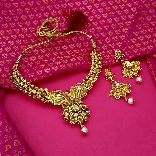 Utkrishtt White Kundan Stone Gold Plated Necklace Set