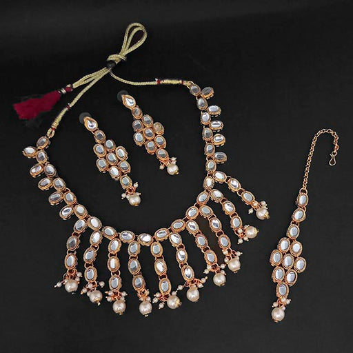 Kriaa White Kundan And Pearl Gold Plated Necklace Set With Maang Tikka