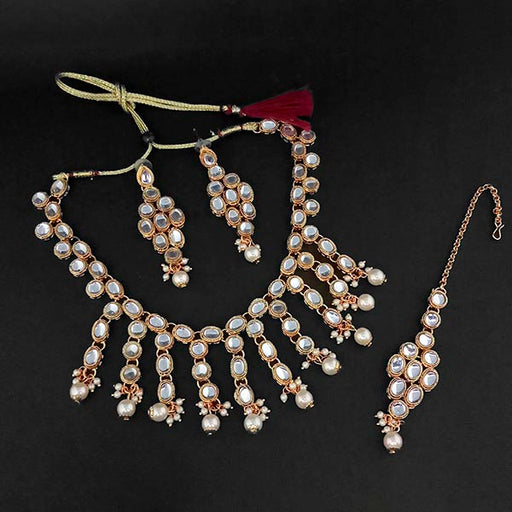 Kriaa Gold Plated White Kundan And Pearl Necklace Set With Maang Tikka